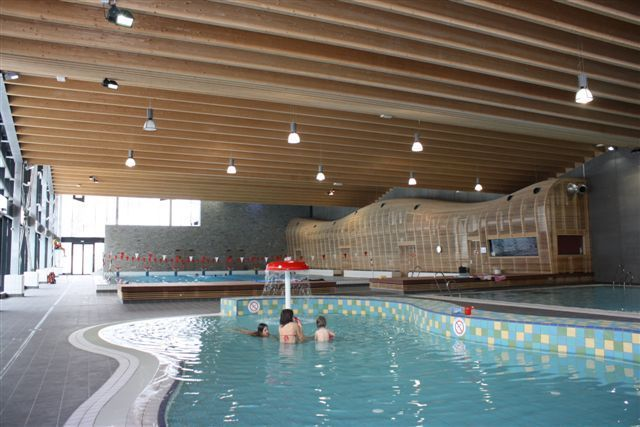 morzine pool--piscine