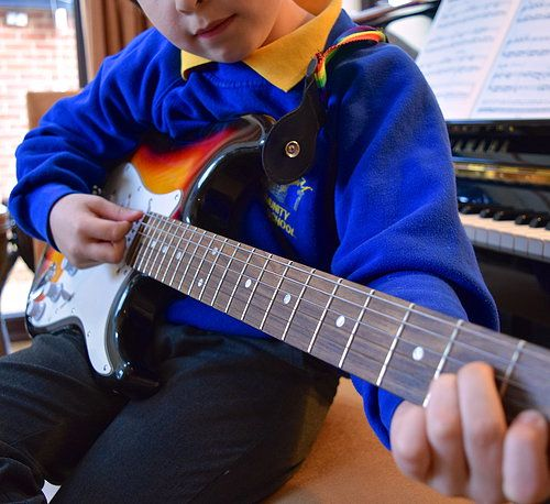 childplayingguitar