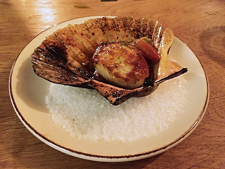 Scallop with tomato