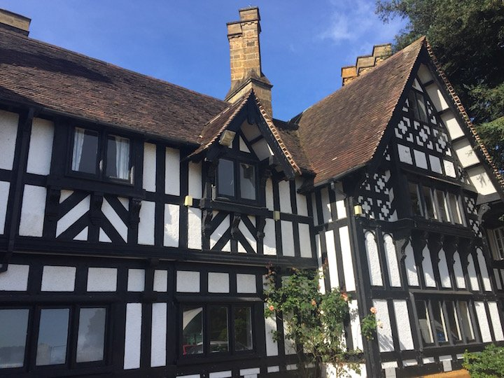 akeley-wood-tudor-building