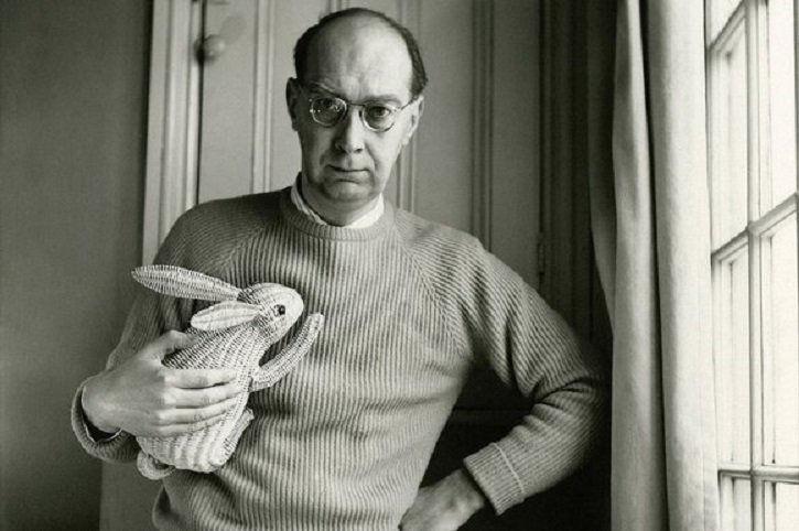 philip-larkin-with-bunny