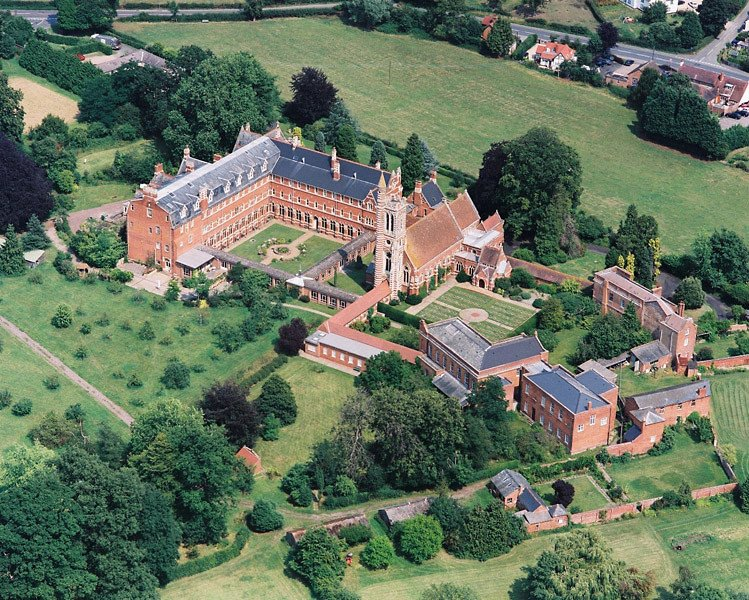 stanbrook-abbey-worcestershire
