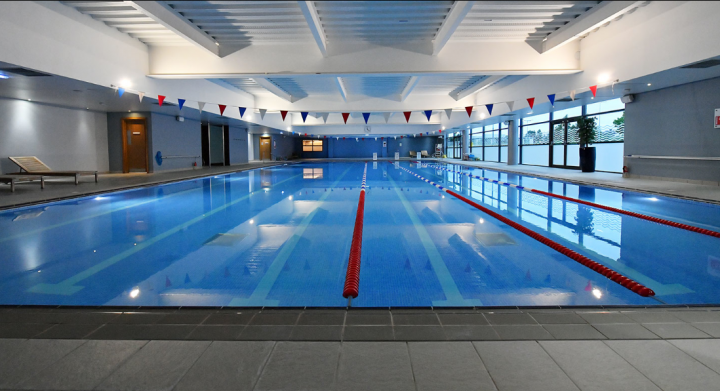 The David Lloyd pool. Now start your 200m warm up!