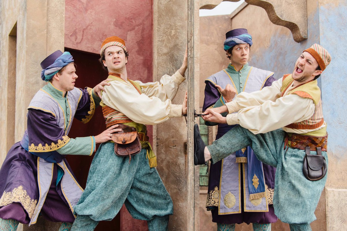 comedy of errors actors shutting door