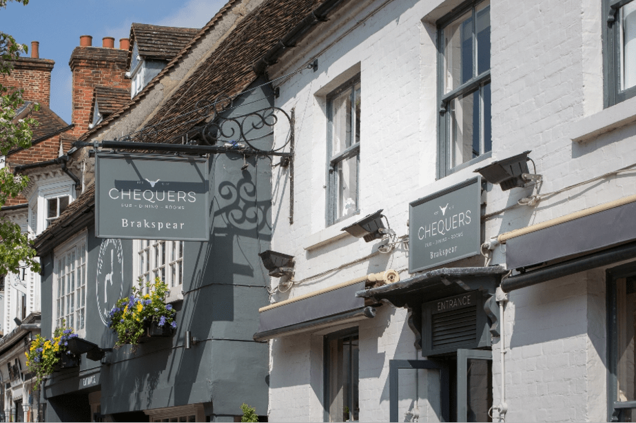 chequers Marlow pub sign
