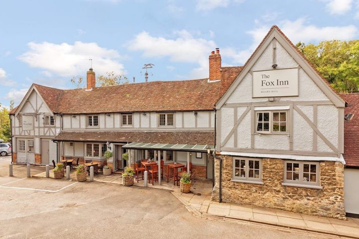 fox inn white tudor building with grey panels