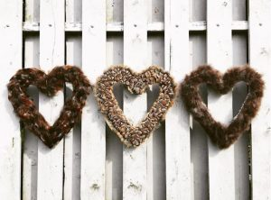 picture of heart shaped plucking wreath
