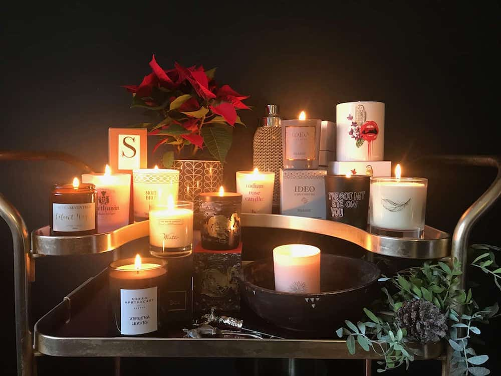 candles AW17 scented flickering poinsettia