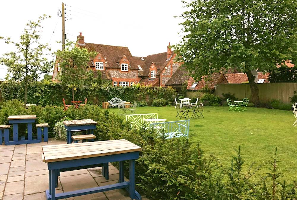 The Stag and Huntsman pub garden