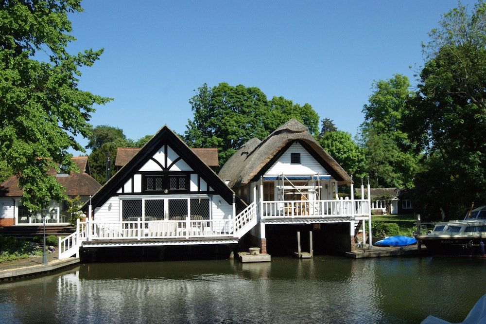 Best Places To Live Goring Oxfordshire Muddy Stilettos Bucks Oxon,Small Space Small Built In Cabinets Bedroom